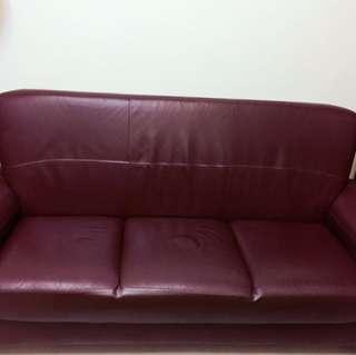 (降價)三人座皮製沙發