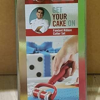 Cake Boss Fondant Ribbon Cutter Set .Original Price is P3,200.
