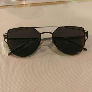 全新 黑框太陽眼鏡