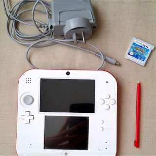 2DS with Charger And Pokemon Alpha sapphire