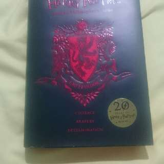 HARRY POTTER AND THE PHILOSOPHER'S STONE GRYFFINDOR 20 YEARS EDOTION like new 99%