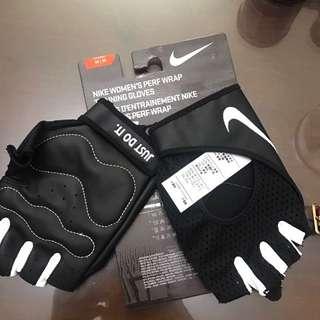 Nike 女用健身手套m號(全新)(可議價)