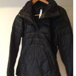 Black Lululemon pullover winter running jacket
