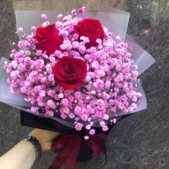 3 Red Roses And Pink Baby Breath Hand Bouquet