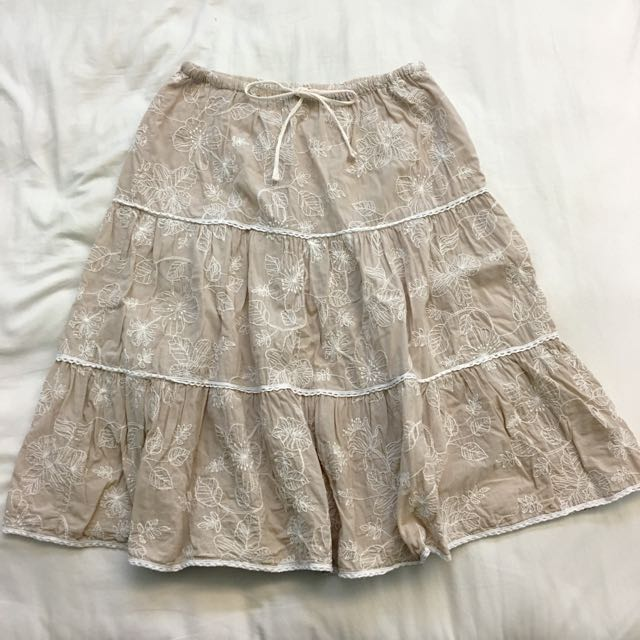 日韓風純棉繡花卡其色及膝短裙裙子