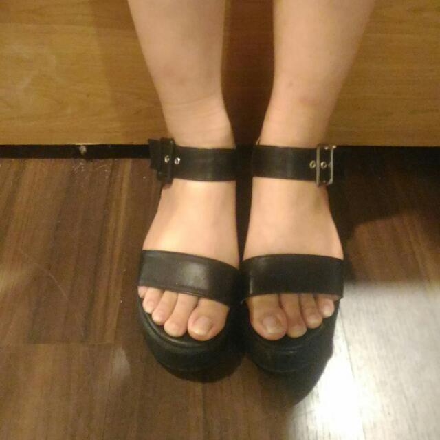 韓式黑色涼鞋 原宿搭配 黑鞋
