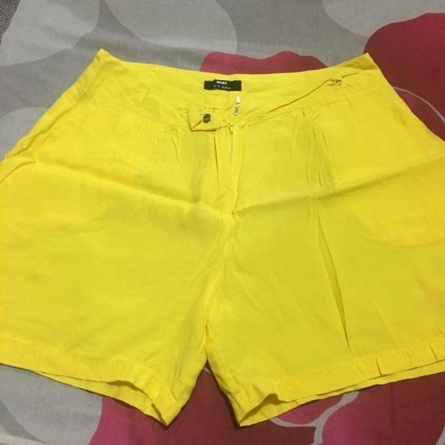 ✨ Splash Yellow Short ✨