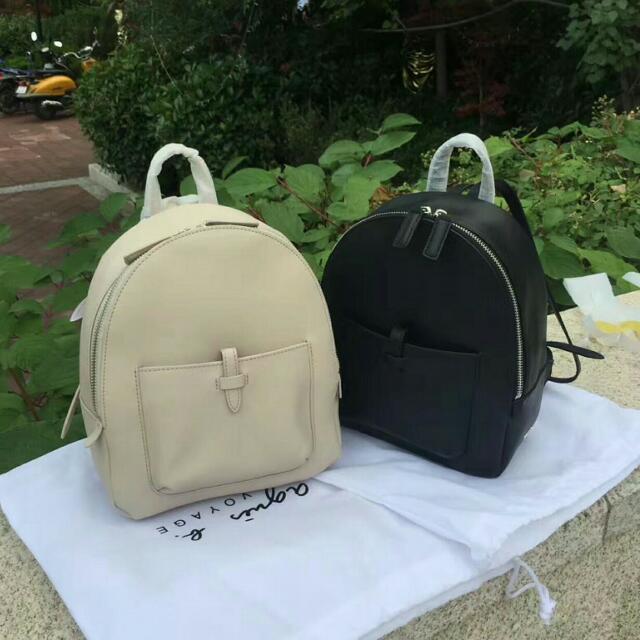 agnes b 專櫃在售 牛皮 金屬 logo 全牛皮 超好看 可愛 小包包 後背包