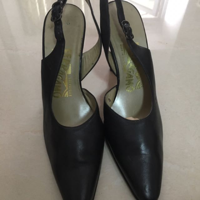 AUTHENTIC Salvatore Ferregamo Size 36