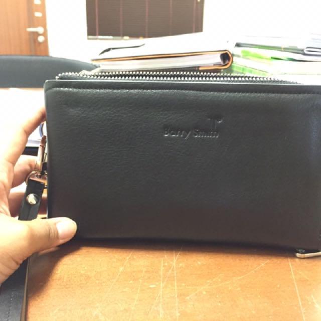 e6bf3fb5b239 Carousell의 Barry Smith Clutch Bag, Luxury, Bags & Wallets