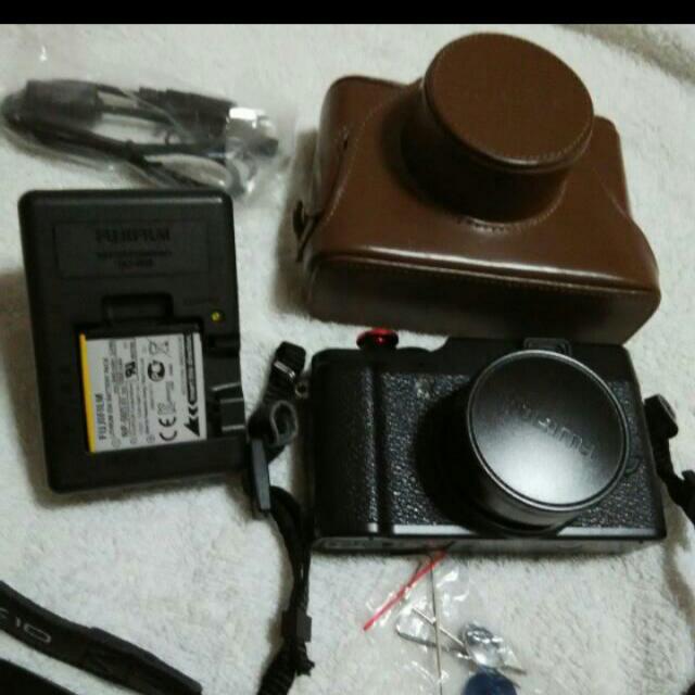 Camera Fuji X10 Open To Trade