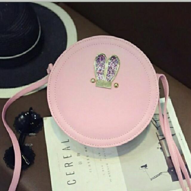 Circle Bunny Ears Sling/crossbody Bag