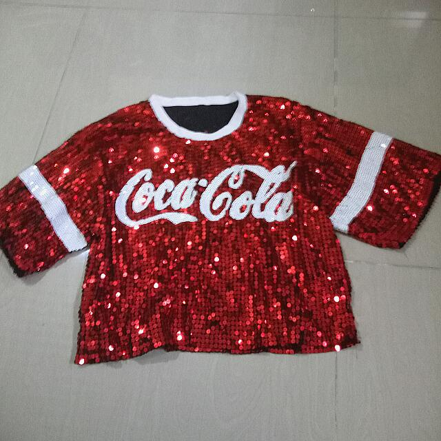 coca cola inspired crop top lakas maka 2ne1 outfit preloved