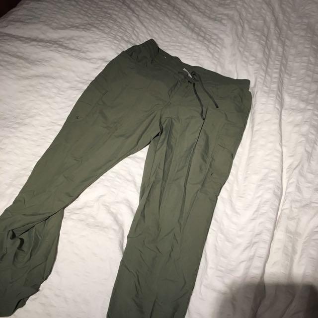 Columbia Size Medium Pants