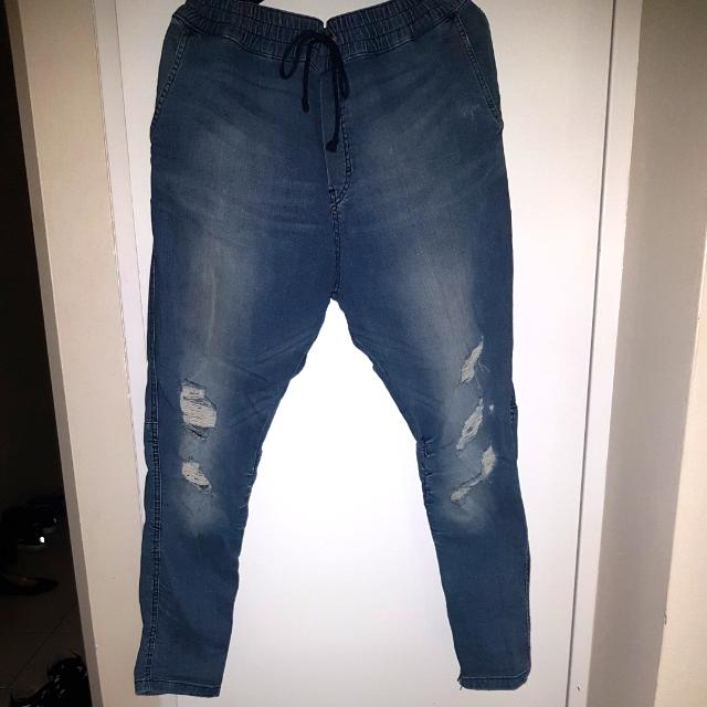 DISTRESSED JEANS - 34