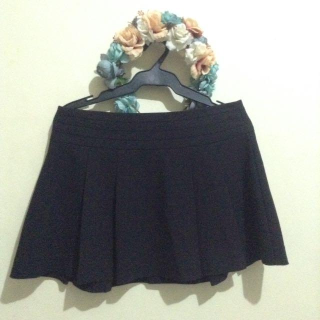 🌷Forever 21 Pleated Skirt