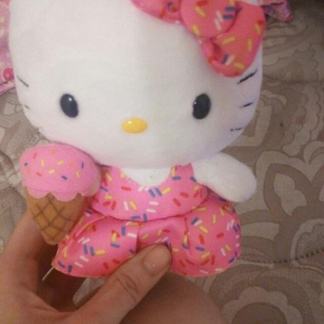Hello Kitty Small Plushie