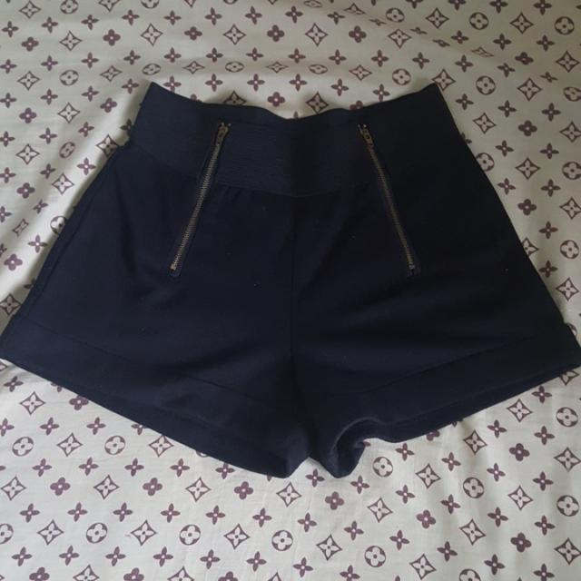 NOW DISCOUNTED High-waisted Black Shorts