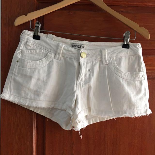 Hotpants Putih Pull & Bear