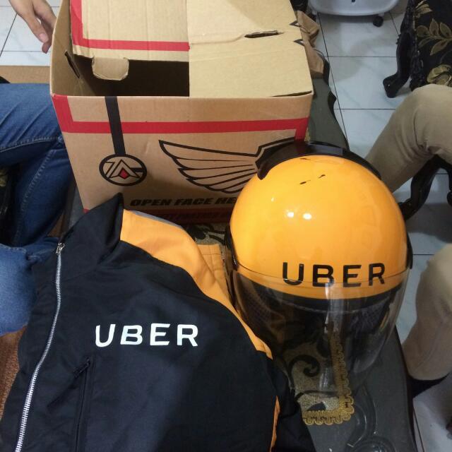 Jaket Dan Helm Uber