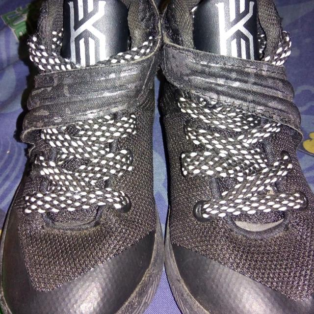 Kyrie 2 Size 26