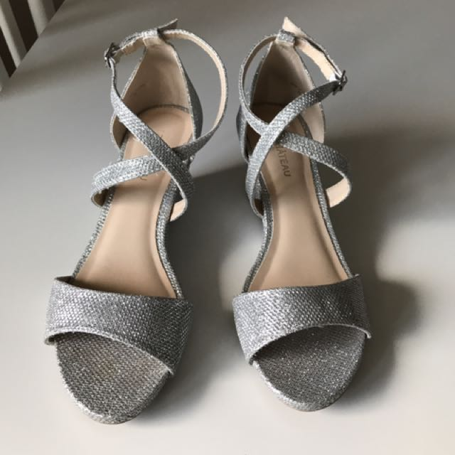 Le Chateau Silver Wedge sandals (size 6)