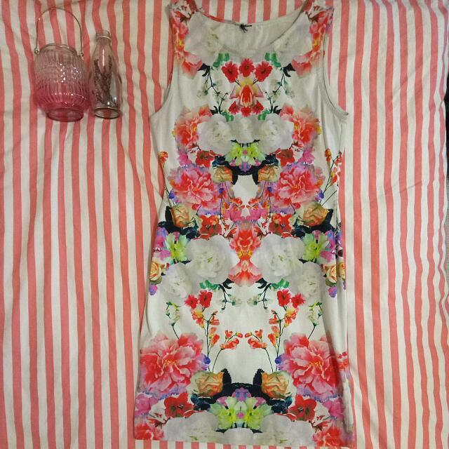 Lovely Flowery Summer Dress