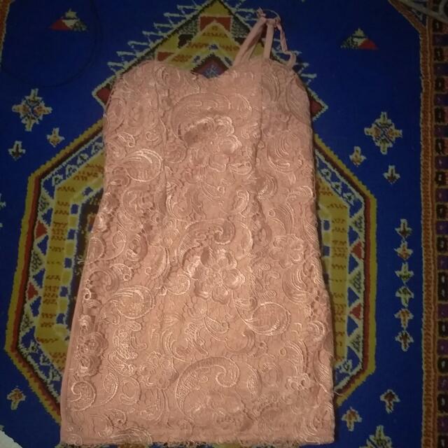 Mini Dres Brukat Klasik Pink
