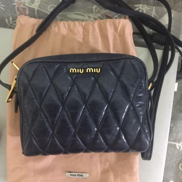 Miu Miu 斜背包