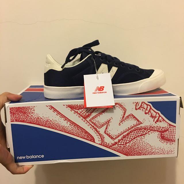 New Balance 深藍帆布鞋