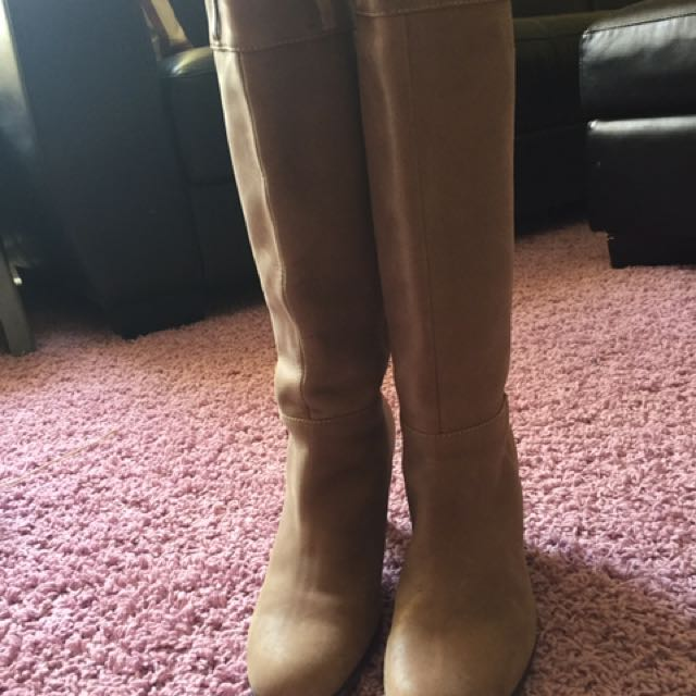 Nude Boots