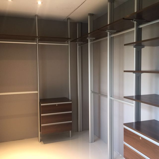 Pole System Wardrobe Almari Cabinet System Tiang