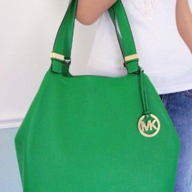 (REDUCED) 100% ORIGINAL MICHAEL KORS COLGATE GREEN BAG