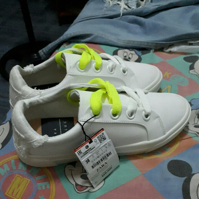 Shoes Sepatu Sneakers zara White