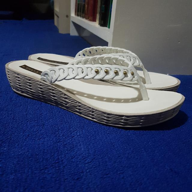 Terra And Agua White Sandals