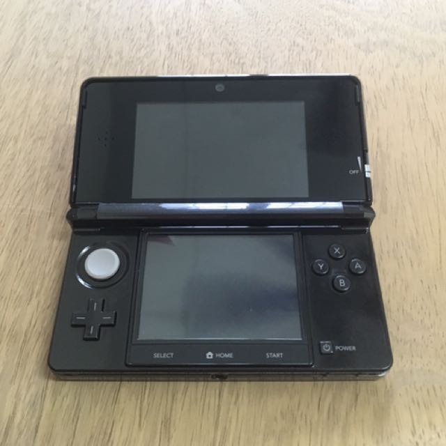 Used 3DS Cosmo Black + games (modded)