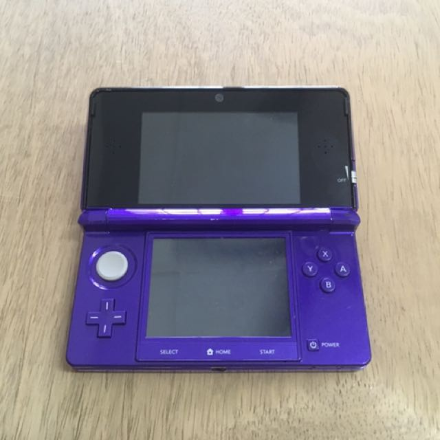 Used 3DS Midnight Purple + games (modded)