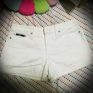 lei White Short