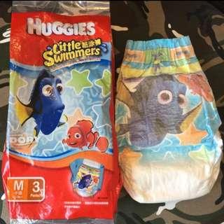全新 無條件 免費送huggies 男童紙泳褲