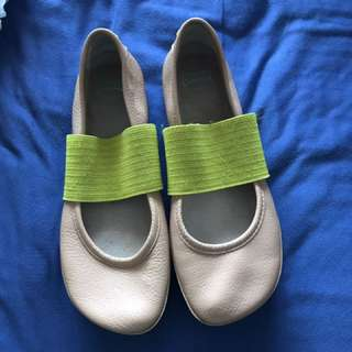 Camper Ballet Flats (size 6)