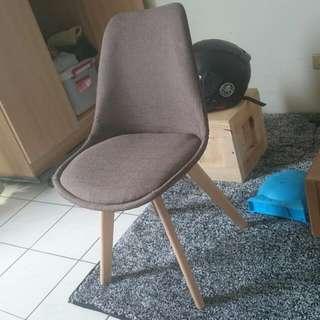 Eames 伊姆斯椅 咖啡色 布質 加厚椅腳 全新 餐椅 工作椅 電腦椅 北歐 工業風 可搭 ikea 桌面