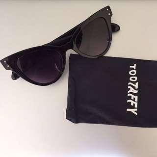 @tootaffy Black Candy Cat Eye Sunglasses