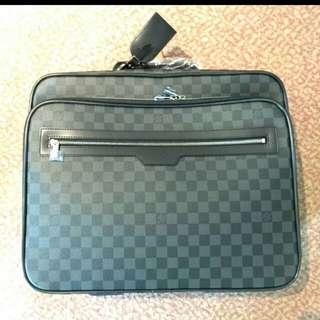 Louis Vuitton Luggage pilot Case Damier Graphite