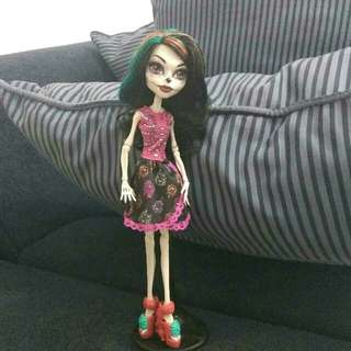 Skeletini The Doll