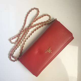 Prada WOC like new ( g ad cacat )