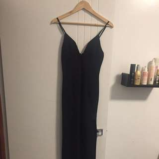 FULL LENGTH BLACK DRESS