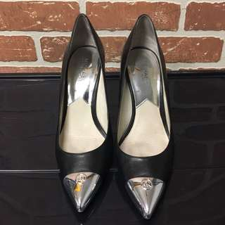 michael kors (black leather + silver tips + size 8.5M)