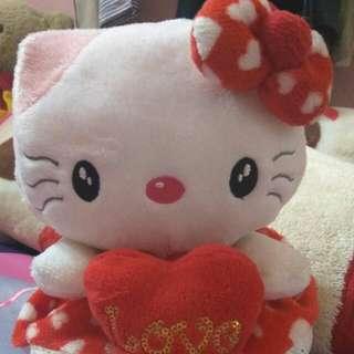 Boneka Hello Kitty Merah