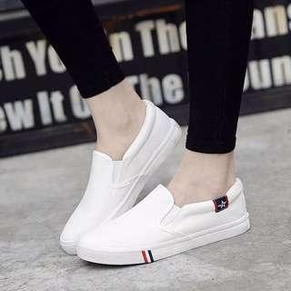 BASIC white Canvas Shoes