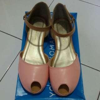 Sepatu Yongki Komaladi